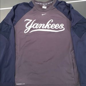 Nike Yankees Therma Fit Crew Neck